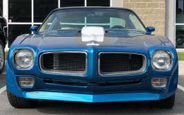 Mike and Robin Lacomba's '70 Trans Am