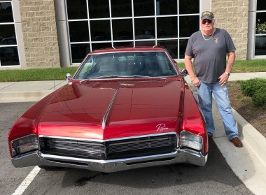 Bruce reports that he gets lots of thumbs up driving the Riviera, and it's obvious why.